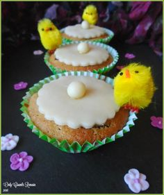 Only Crumbs Remain: Simnel Cupcakes