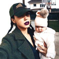Mummy, Fashion and lifestlye blogger - Instagram / Nichify Username: cudeea