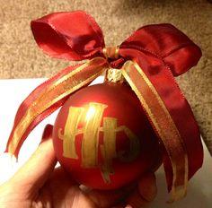 Harry Potter ornament I made for our Secret Santa at work. Super simple.
