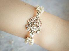 Wedding Bracelet Pearl Bridal Bracelet Vintage by GlamorousBijoux