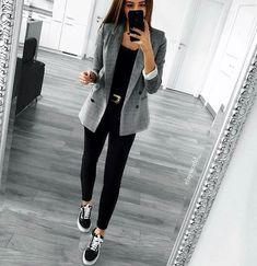 blazer and black skinny jeans all day every day! blazer and black skinny jeans all day every day! 30 Outfits, Casual Work Outfits, Business Casual Outfits, Professional Outfits, Mode Outfits, Work Attire, Work Casual, Classy Outfits, Fashion Outfits