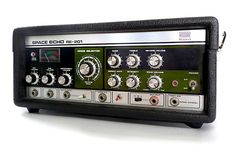 Roland Space Echo - I wish I had never sold mine. Mine had the same mod too (red switch) Vintage Synth, Vintage Music, Vintage Guitars, Space Echo, Hammond Organ, Music Gadgets, Electric Piano, Sound Studio, Drum Machine