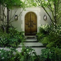 Hulsey Garden - I love the green & white, without the clutter of a multitude of colors. It's fresh & lush.