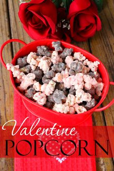 Make your Valentine a sweet treat this Valentine's Day with this delicious and easy-to-make Valentine's Popcorn! Valentines Day Treats, Holiday Treats, Holiday Recipes, Kids Valentines, Oreo Dessert, Mini Desserts, Popcorn Recipes, Chex Mix, Easy