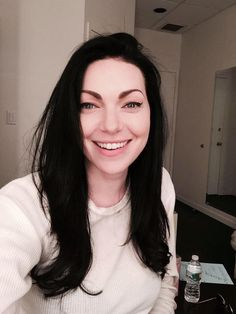 Laura Prepon via https://twitter.com/oitnb/status/623909235450093569