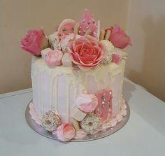 Best Lovely White Flowers Cake. JS yummy. . facebook.com/yummyjs twitter.com/yummyjs Instagram.com/jsyummy2 linkedin.com/in/jsyummy . . #jsyummy #yummy #sweets #puddingcake #cupcakes #heardshafecake #drinks #whiteforestcake #baking #Pink #Rose #Cake #Pinkrosecake #cartoon #cake #vanila #cake #vanilacake #happy #birthday #cake #happybirthdaycake #flowerscake #Flowers #flowers #love #cake #Flowerslovecake #Firni #softcake #whiteflowerscake Pink Rose Cake, Marshmallow Cake, Forest Cake, Pudding Cake, Happy Birthday Cakes, Drip Cakes, Love Cake, Cream Cake, White Flowers