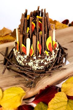Find out how to make a chocolate bonfire cake for Guy Fawkes' Night. Perfect for anyone throwing a bonfire night party for family and friends! Bonfire Night Party Ideas, Bonfire Night Cake, Bonfire Night Crafts, Bonfire Birthday Party, Bonfire Night Food, Bonfire Parties, 16th Birthday, Birthday Ideas, Bonfire Crafts For Kids