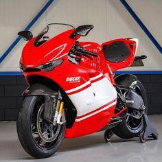 The Legend | Ducati Desmo Via: @Ducatistagram | #BWL #BikesWithoutLimits #Ducati #Ducatistagram #Desmo