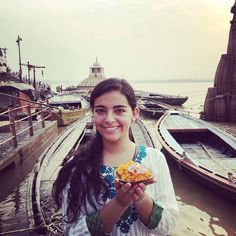 A beautiful click by #volunteer Maria Camila Monroy on the ghats of #Varanasi during her #weekendtrip from the orphanage program in Delhi #India . . #VolSolIndia #placestovisit #culture #hindu #ghats #banaras #placestogo #placestosee #sacredplace #travel #travelgram #travelphotography #instatravel