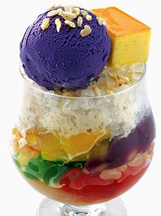 How about a refreshing Halo-Halo on a weekend? A traditional Filipino dessert. A refreshing medley of fruits and bean preserves, ice cream and milk served on crushed ice. Try Barrio Fiesta Dubai's Halo-Halo on your visit today! Filipino Dishes, Filipino Desserts, Filipino Recipes, Filipino Food, Asian Recipes, Sweet Recipes, Philipinische Desserts, Asian Desserts, Dessert Recipes