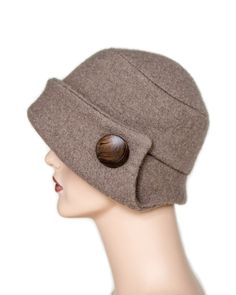 Hat Walkloden beige with wooden decorations 2019 Hut Walkloden beige mit Holzschmuck Turbans, Love Hat, Hat Making, Hats For Women, Sewing Crafts, Sewing Tips, Sewing Projects, Etsy, Sewing Patterns