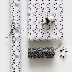 Cute panda gift wrap