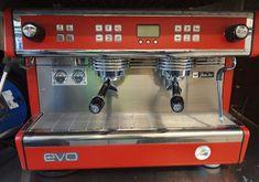 Espressomaschinen Dalla Corte zu verkaufen Espresso Machine, Coffee Maker, Kitchen Appliances, Simple Machines, Espresso Coffee Machine, Coffee Maker Machine, Cooking Utensils, Coffeemaker, Home Appliances