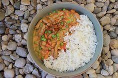 Kalbs-Geschnetzeltes mit buntem Gemüse und Basmati Reis Grains, Curry, Rice, Ethnic Recipes, Food, Recipes With Rice, Gluten Free Recipes, Ground Meat, Frozen Peas