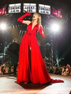 LADY IN RED photo | Taylor Swift in DALLAS. I was there. Happy birthday to me