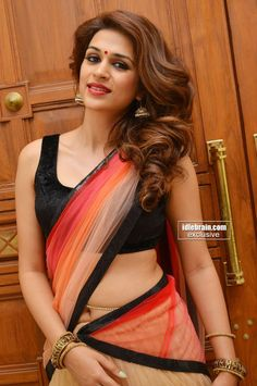 shraddha das Hot Navel In Half Saree & Side View Of Melons In Sleevless…