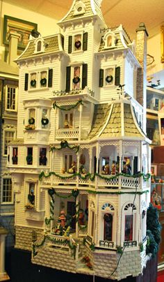 """Big Victorian dollhouse """"bashed"""" from several kits. Victorian Dolls, Victorian Dollhouse, Dollhouse Dolls, Antique Dolls, Dollhouse Miniatures, Modern Dollhouse, Vintage Dolls, Miniature Rooms, Miniature Houses"""