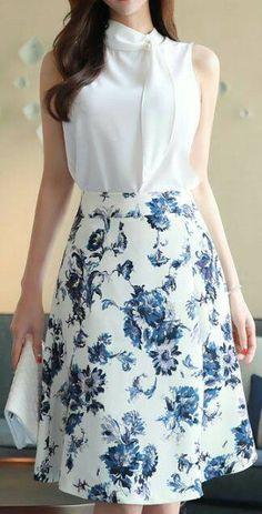 StyleOnme_Floral Print A-Line Skirt blue elegant floral aline skirt koreanfashion kstyle kfashion seoul dailylook Skirt Outfits, Dress Skirt, Dress Up, Modest Fashion, Fashion Dresses, Casual Dresses, Skirt Fashion, Summer Dresses, Classy Outfits