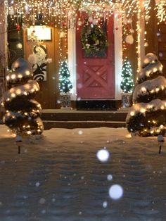 a snow covered morning. Christmas Scenes, Santa Christmas, Christmas Lights, Christmas Decorations, Xmas, Holiday Decor, Christmas Time Is Here, The Night Before Christmas, Christmas Gifts For Women