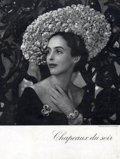 Dusausoy jewels and hat by Caroline Reboux, 1948 1940s Fashion, Vintage Fashion, Vintage Couture, Suzy, Caroline Reboux, Paris Mode, Love Hat, Fashion Pictures, Fashion Prints