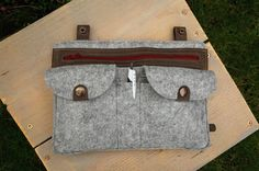 Leather and felt organizer 28 x 20 cm customized for by madebydees