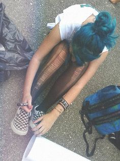 grunge☻i would dig hair this color