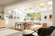 Fill your home with light by installing a Velux or Fakro roof window. Garden Room Extensions, House Extensions, Kitchen Extensions, Open Plan Kitchen Living Room, Open Plan Living, Style At Home, Kitchen Diner Extension, Kitchen Extension Velux Windows, Roof Window