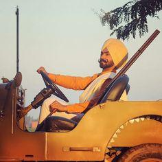 Inu sirra photo khnde a 😍 Kurta Pajama Punjabi, Kurta Pajama Men, Punjabi Boys, Punjabi Suits, L King, Suit Accessories, Dress Codes, Swag, Pajamas