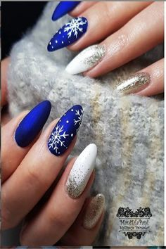 Nageldesign Top 33 Amazing Blue Nail Art Designs Ideas - Fashonails Replacement Windows Information Cute Christmas Nails, Christmas Nail Art Designs, Xmas Nails, Winter Nail Designs, Winter Nail Art, Winter Nails, Christmas Holiday, Holiday Acrylic Nails, Cute Acrylic Nails