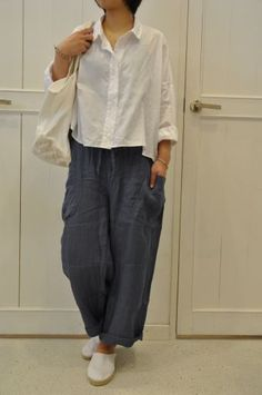a nice summer version of A Subtle Twist shirt...and Easy, Ageless, Cool for the pants. (these seem to be a size to large ;-) www.cuttinglinedesigns.com