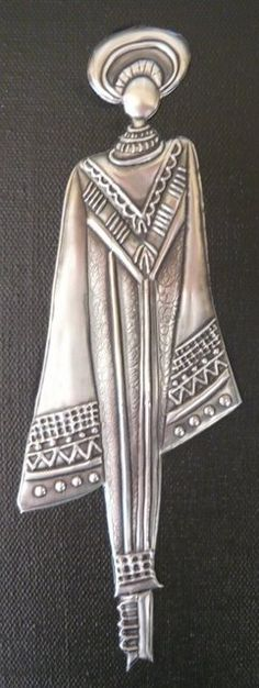 mujer africana Pewter Art, Pewter Metal, Metal Tape Art, Stamped Business Cards, Metal Worx, Metal Embossing, 3d Wall Art, Black Women Art, Metal Crafts