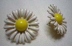$4 daisy earrings.