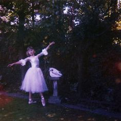 """2018 Mercury Prize winner: """"Visions Of A Life"""" by Wolf Alice - listen with YouTube, Spotify, Apple Music & more at LetsLoop.com"""