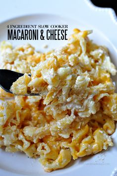 4 Ingredient Slow Cooker Macaroni and Cheese- is so easy to make and tastes great.   Thirty Handmade Days