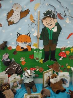 Percy the Park Keeper Forest School Activities, Autumn Activities, Preschool Activities, Forest Classroom, Eyfs Classroom, School Displays, Classroom Displays, Woodland Theme, Woodland Animals