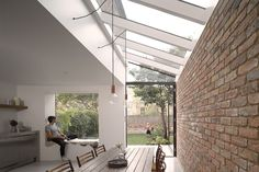 Pergola With Glass Roof Georgian Homes, Victorian Homes, Roof Extension, Extension Ideas, Cocinas Kitchen, Victorian Terrace, Glass Roof, House Extensions, Patio Roof