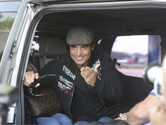 Pandora's Caja: Chayanne and Marc Anthony arrived(Buenos Aires) in the country on a private jet (English Translation)