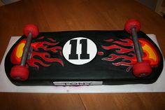 skateboard cake for Luca's birthday!