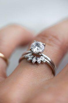A burst of gold and diamond flecks to cushion your center stone. #considerthewldflwrs