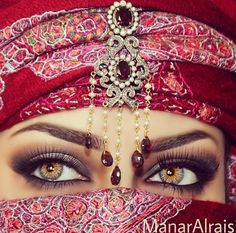 """Find and save images from the """"Indian eye makeup💎❤️💕💸"""" collection by Yadira on We Heart It, your everyday app to get lost in what you love. Indian Eye Makeup, Asian Bridal Makeup, Most Beautiful Eyes, Stunning Eyes, Amazing Eyes, Formal Makeup, Glam Makeup, Arabic Eyes, Arabian Beauty"""