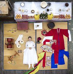 Korean Traditional Dress, Traditional Fashion, Traditional Dresses, Shaman Ritual, Modern Hanbok, Korean Tattoos, Korean Painting, Asian Cosplay, Ethnic Outfits