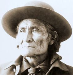 Geronimo is one of the most famous indian leaders. He is famous, infamous at the time, as his band of including 20 women and children were the last hostile indians to surrender on September Native American Regalia, Native American Pictures, Native American History, American Indians, Apache Indian, Native Indian, Sepia Color, Weird Pictures, Geronimo