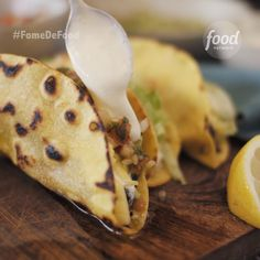 Conheça a receita de Tacos do Food Network Healthy Recipes, Mexican Food Recipes, Healthy Cooking, Cooking Recipes, Cooking Icon, Cooking For Beginners, Football Food, Food Menu, Diy Food