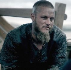 """Another cap from deleted scene of ""Vikings: The Complete Third Season Blu-ray"" #TravisFimmel #RagnarLothbrok #Ragnar #KingRagnar #Vikings #HistoryVikings…"""