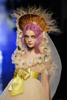 ⍙ Pour la Tête ⍙  hats, couture headpieces and head art -  Jessica Stam looking saintly