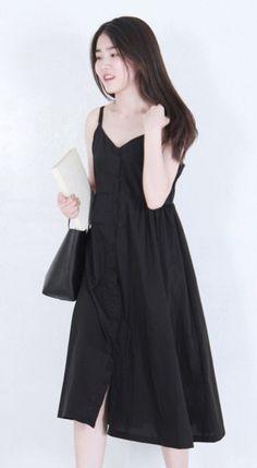 Fashiontroy Minimalism sleeveless V-neck blue white black grey pleated cotton blend midi dress