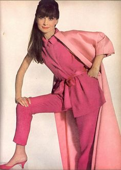 1964 Audrey wearing Givenchy, photo by Irving Penn for Vogue,