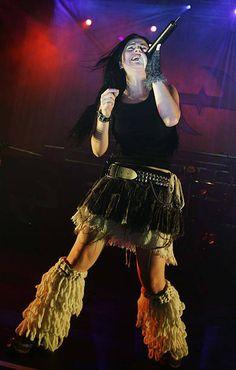 Rainha Do Rock, Memes Arte, Mitch Lucker, Amy Lee Evanescence, Hot Goth Girls, Female Guitarist, Architecture Tattoo, Orphan Black, Hayley Williams