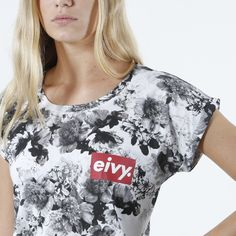 T-Shirt - Teerese Floral Greyscale