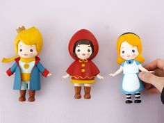 3D printed art toy!! The Little Prince, Red cape, Alice in Wonderland! You can color it yourself and relieve stress from your daily life :D #Arttoy #3Dprinting #DIY #Coloring #littleprince #RADON #Hobby #Alice # Alinceinwonderland #Redhood #cute #color